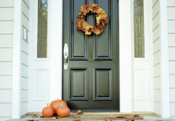 DIY Fall Wreaths – 15 Festive Wreaths for Halloween and Thanksgiving