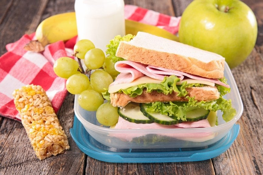 Packing your child's lunch with healthy options