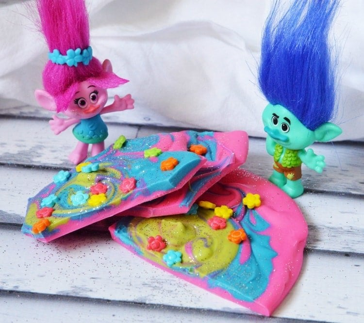 Trolls Candy Bark Recipe