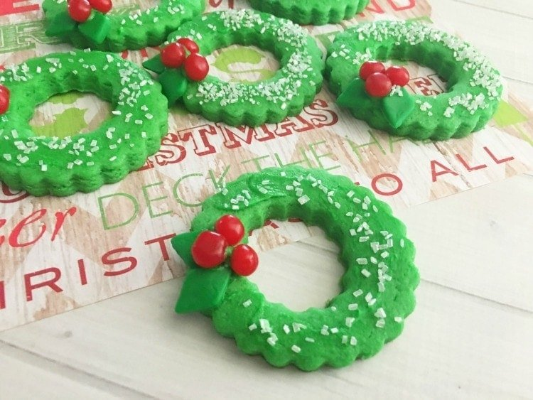 Delectable Christmas Wreath Cookies With Green Fondant