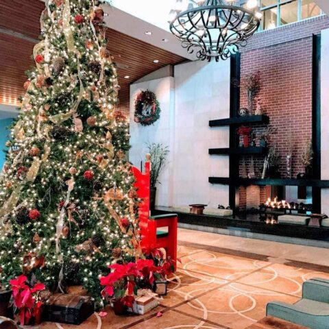 Lobby of Chattanoogan Hotel Decorated for Chistmas