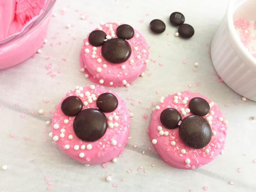 Minnie Mouse Oreo cookies, minnie mouse cookies