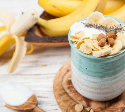 banana yogurt, yogurt with bananas
