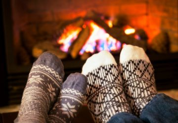 Inexpensive and free date night ideas at home