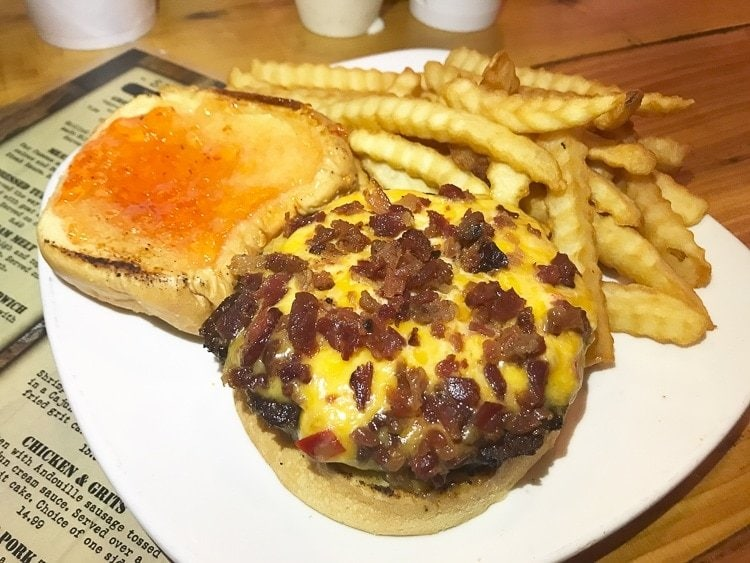 BaconPimento Cheeseburgerat The Black Cow