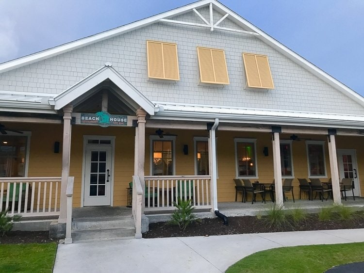 BeachHouse Menu offers Fresh Local Seafood, Housemade Pizza, and Craft Beer.