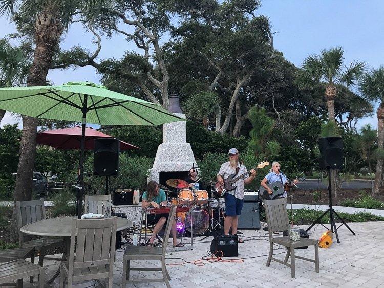 Beachhouse Restaurant offers live music