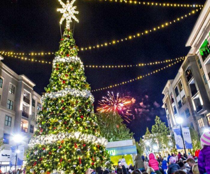 Alpharetta, Lighting of Christmas Tree, Avalon