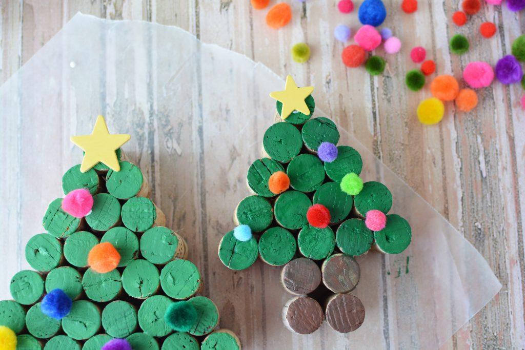 Wine Cork Tree, Cork Christmas Trees, DIY Christmas Crafts, Wine Cork Crafts, Christmas Crafts, DIY Christmas Crafts