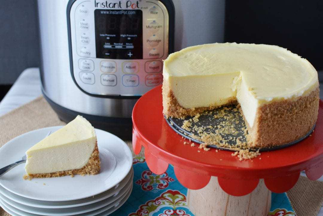 If you're craving that graham cracker crust and creamy texture, this Instant Pot Classic Cheesecake recipe will hit the spot! #Cheesecake #InstantPotCheesecake https://www.lifefamilyfun.com/instant-pot-cheesecake/ Cheesecake, Instant Pot Cheesecake, Classic Cheese Recipe, Instant Pot Cheesecake Recipe