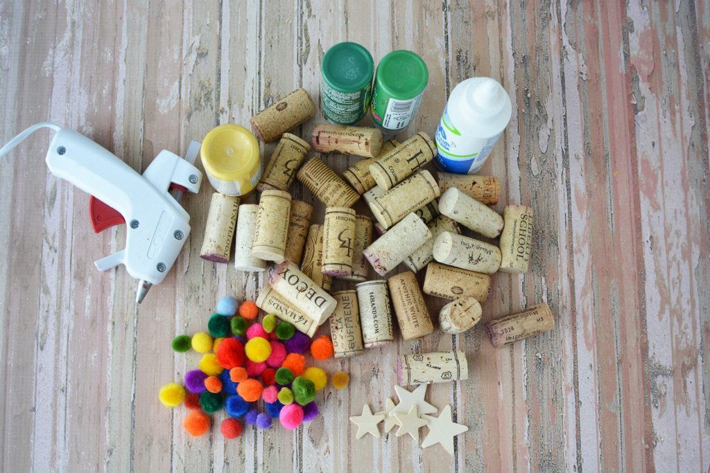 Cork Christmas Trees, DIY Christmas Crafts, Wine Cork Crafts, Christmas Crafts, DIY Christmas Crafts