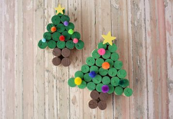 Easy DIY Wine Cork Tree – Fun for Christmas!