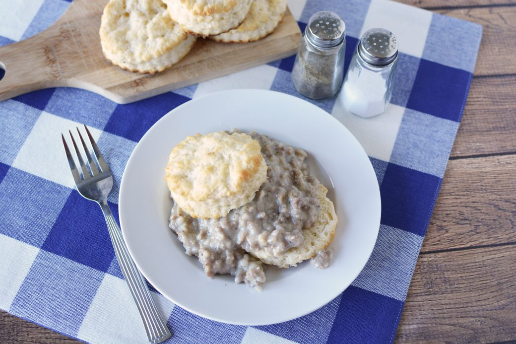 Instant Pot Biscuits & Gravy, Instant Pot Biscuits, Instant Pot Gravy, Instant Pot Breakfast Recipe, Southern Instant Pot Recipe, Easy Southern Cooking