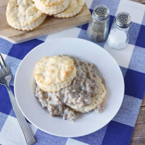 Instant Pot Biscuits & Gravy, Instant Pot Biscuits, Instant Pot Gravy, Instant Pot Breakfast Recipe, Southern Instant Pot Recipe, Easy Southern Cooking
