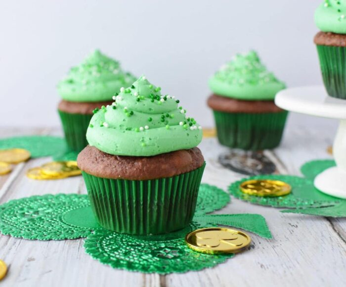 Irish cream cupcakes, bailey's Irish cream cupcakes, Irish cream chocolate cupcakes