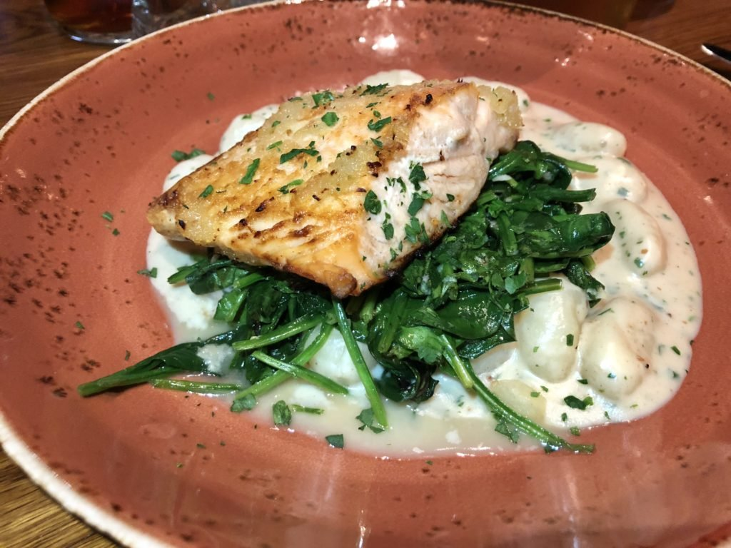 the national tavern, restaurants in greensobor, ga, restaurants at Reynolds lake oconee, Reynolds lake oconee, dining options at lake oconee