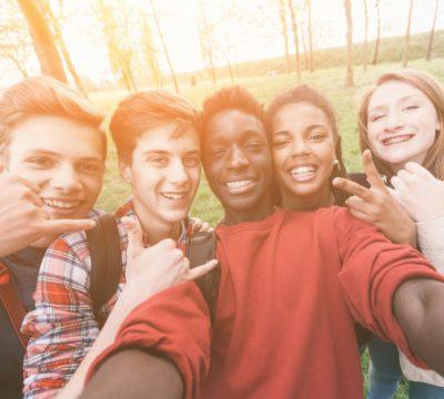 teaching money skills to your teenager, money skills for teens, parents teaching money to their kids, teenager money skills, teaching your teens to budget