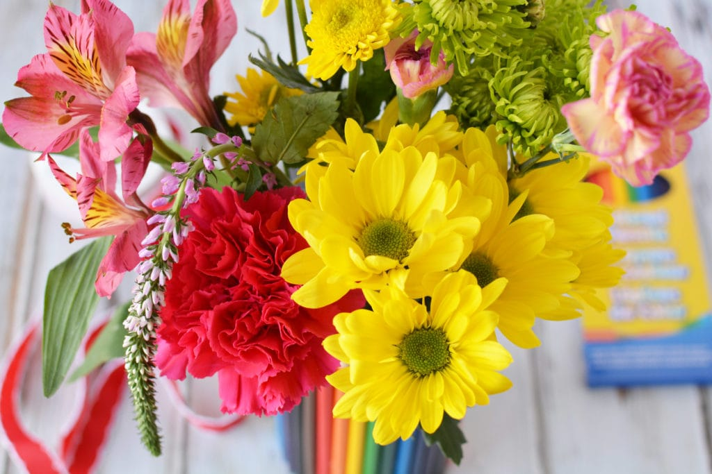 teacher gift ideas, diy gifts for teachers, teacher diy gift, flower vase made out of colored pencils