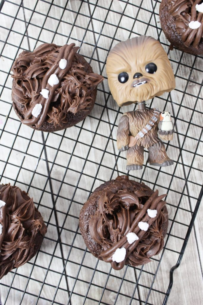 Chewbacca Cupcakes, Chewbacca Donuts, Chewbacca Recipes, Chewbacca Star Wars Recipes, Chewbacca Star Wars, Star Wars Chewbacca Recipes