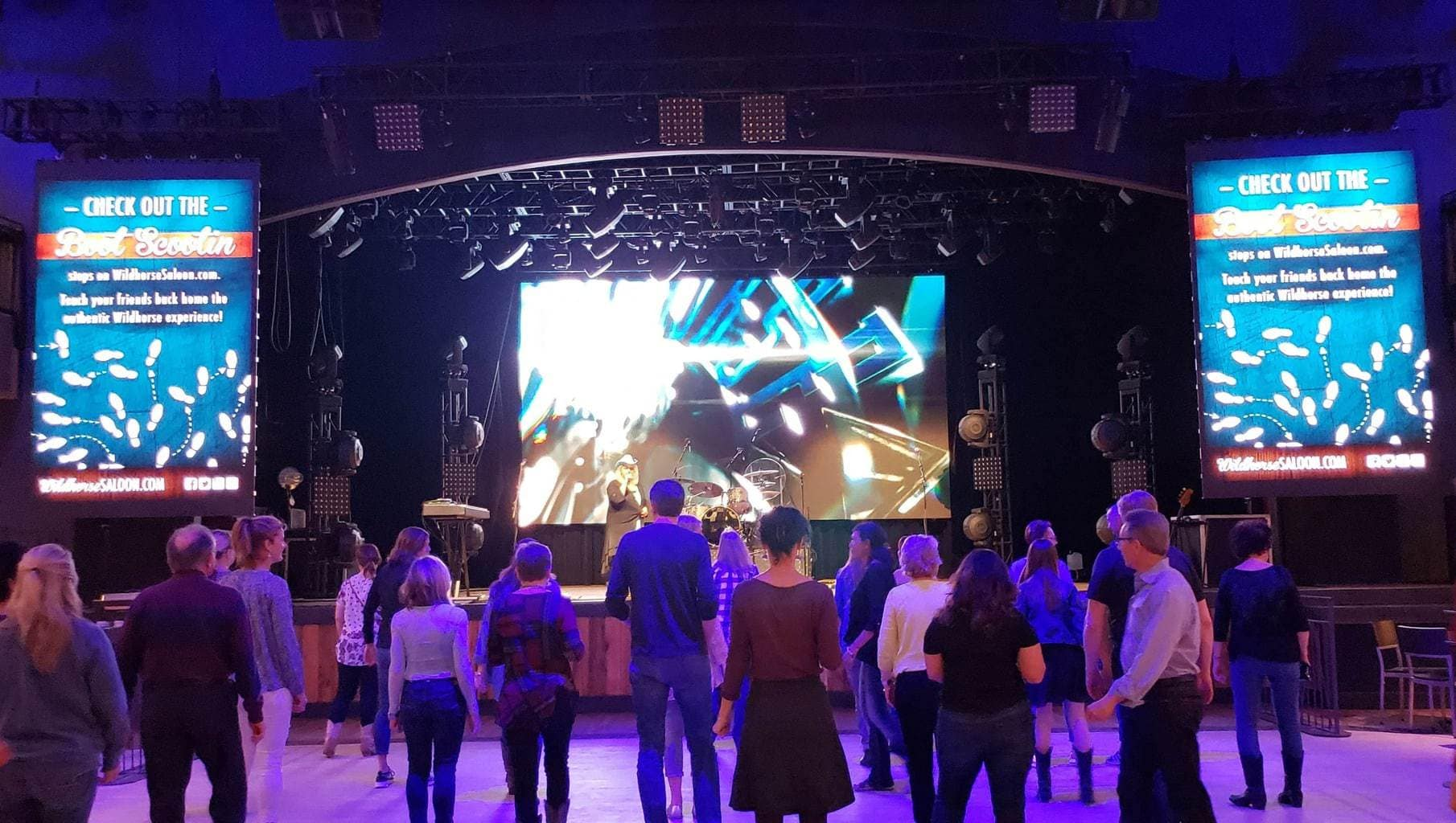 6 Reasons To Visit Wildhorse Saloon in Nashville – Family Fun For All