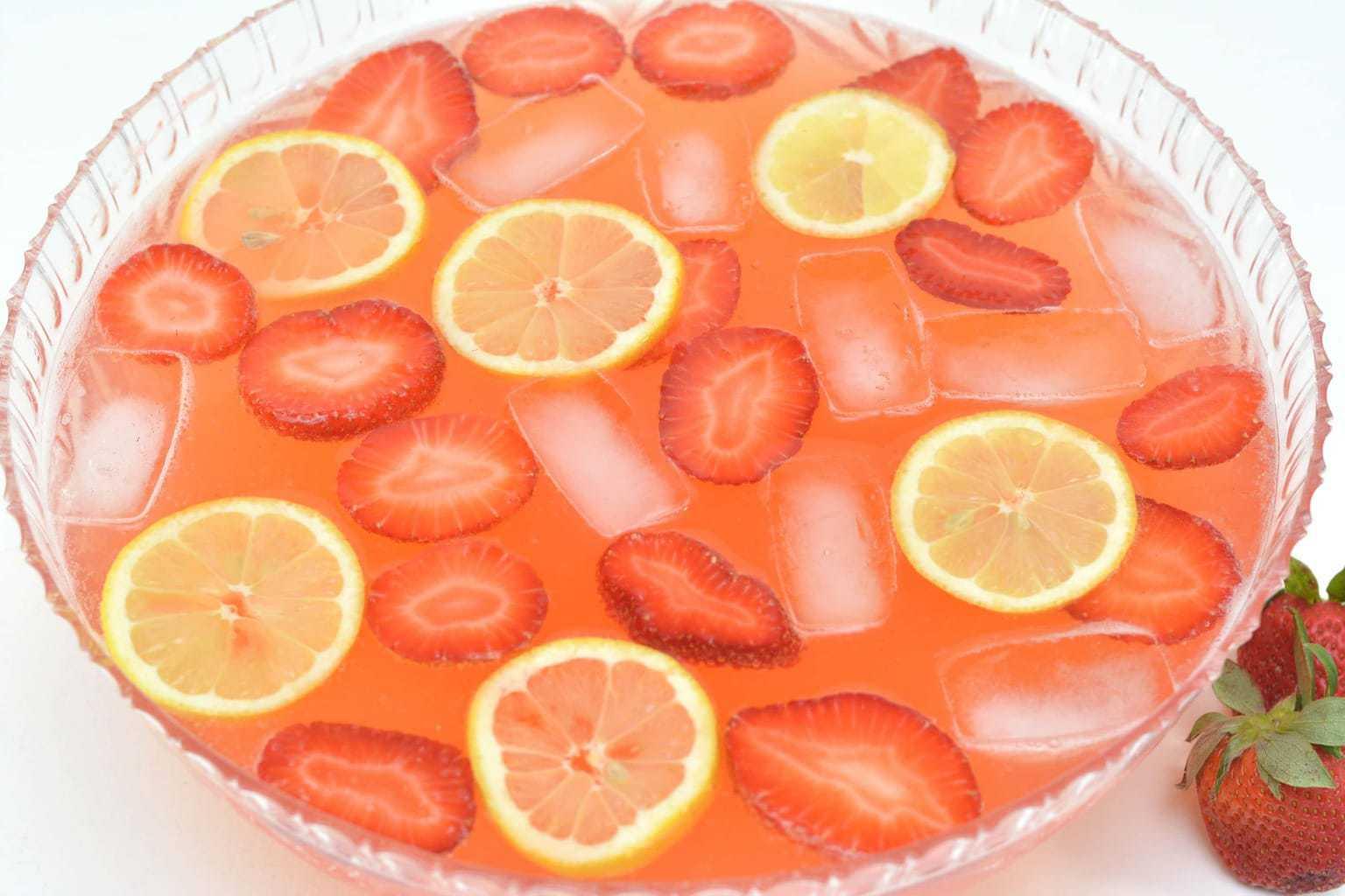moscato punch, strawberry lemonade moscato