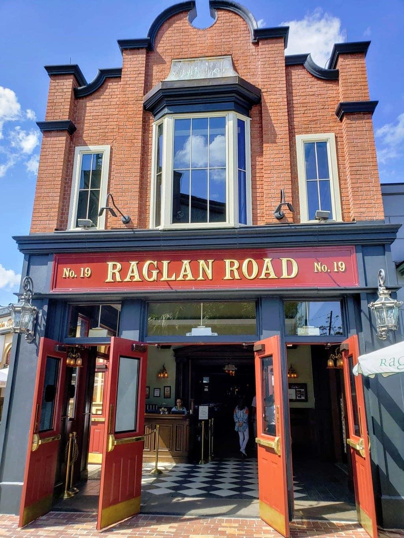 Raglan Road Irish pub, restaurants in Disney springs