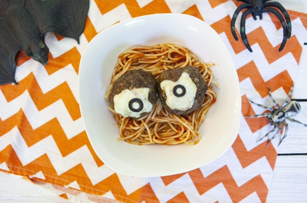 Spooky Spaghetti With EyeBalls – A Spooky Fun Halloween Recipe Idea