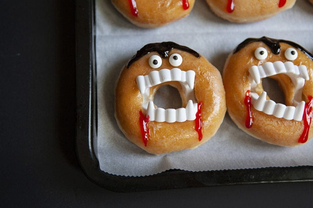 how to make vampire donuts easy, dracula donuts for halloween