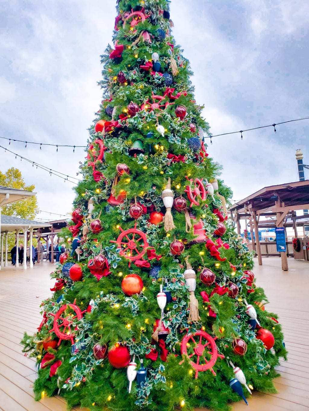 Explore the Magic of Christmas With The Showboat Branson Belle and Silver Dollar City