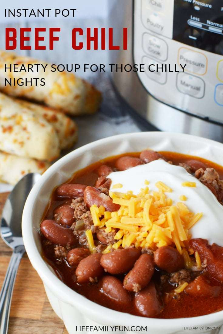 There are few things in life that a good ol' bowl of Instant Pot Chili can't cure! This hearty soup chilli recipe is perfect for those cold months.