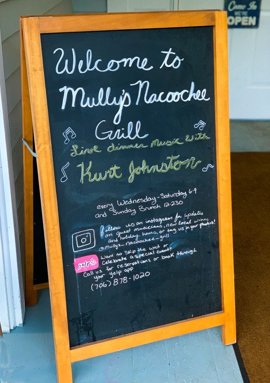 Live Music and entertainment at Mully's Nacoochee Grill in Helen, GA