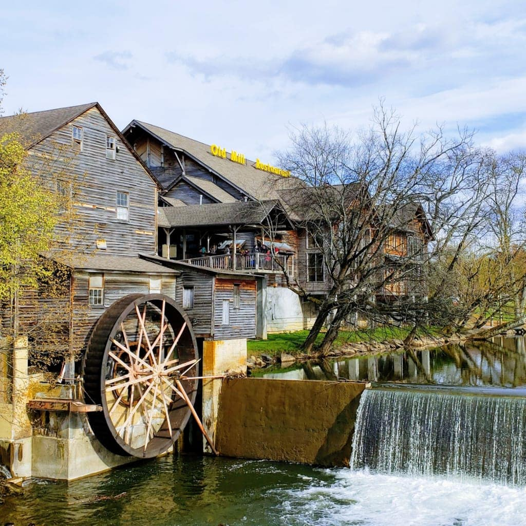 Pigeon Forge Restaurants – Best Places To Eat With Your Family In Pigeon Forge