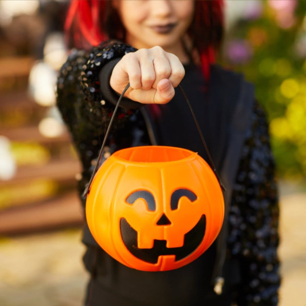 5 Halloween Safety Tips for Tweens and Teens Using Life360