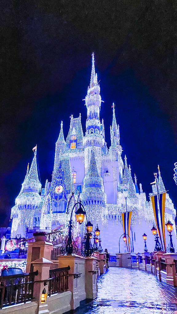 Frozen Holiday Wish Ceremony at Magic Kingdom