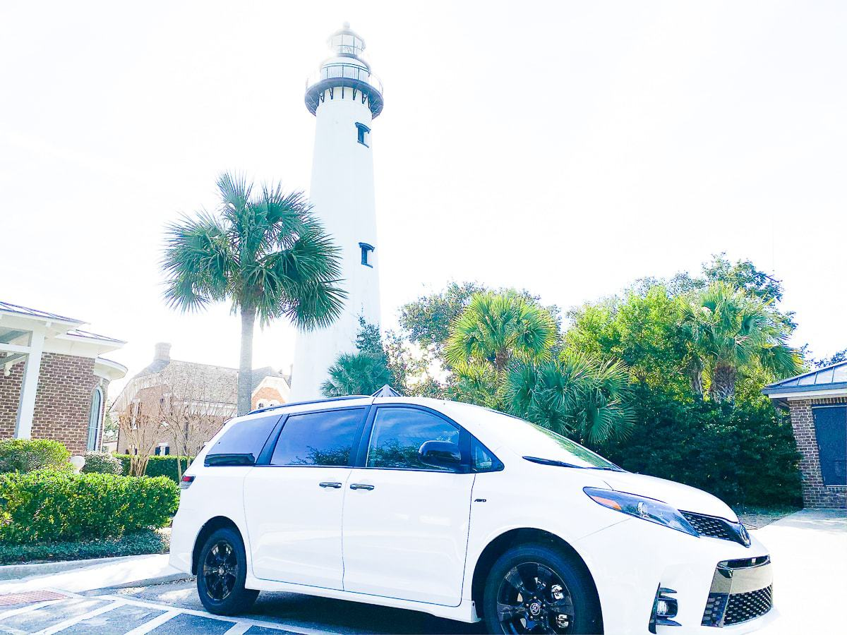 2020 toyota sienna in from of the saint simons lighthouse