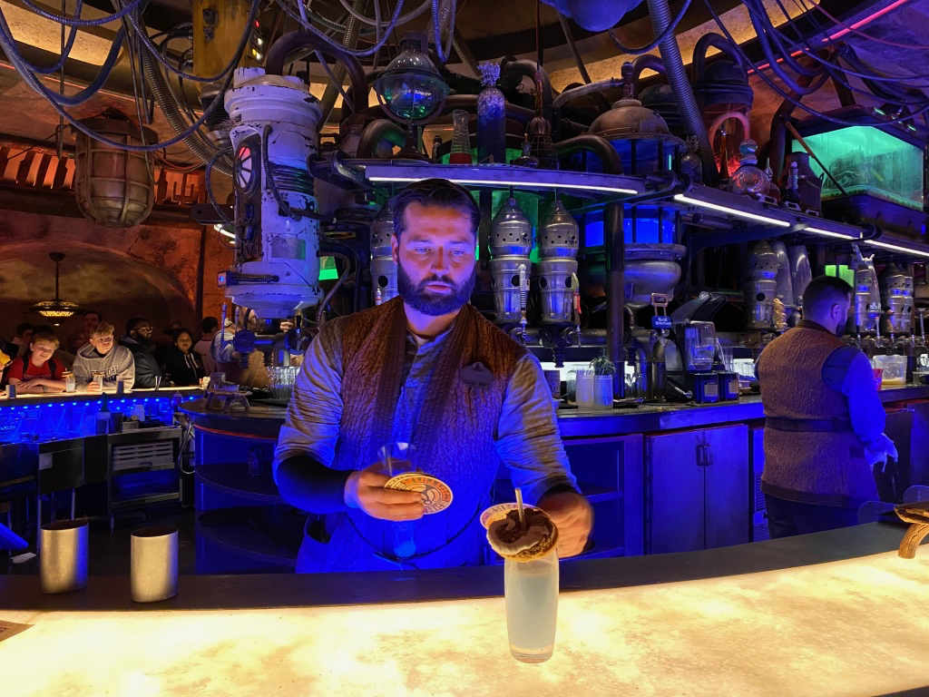 Oga's Cantina in Hollywood studios - Bartender serving up a delicious cocktail