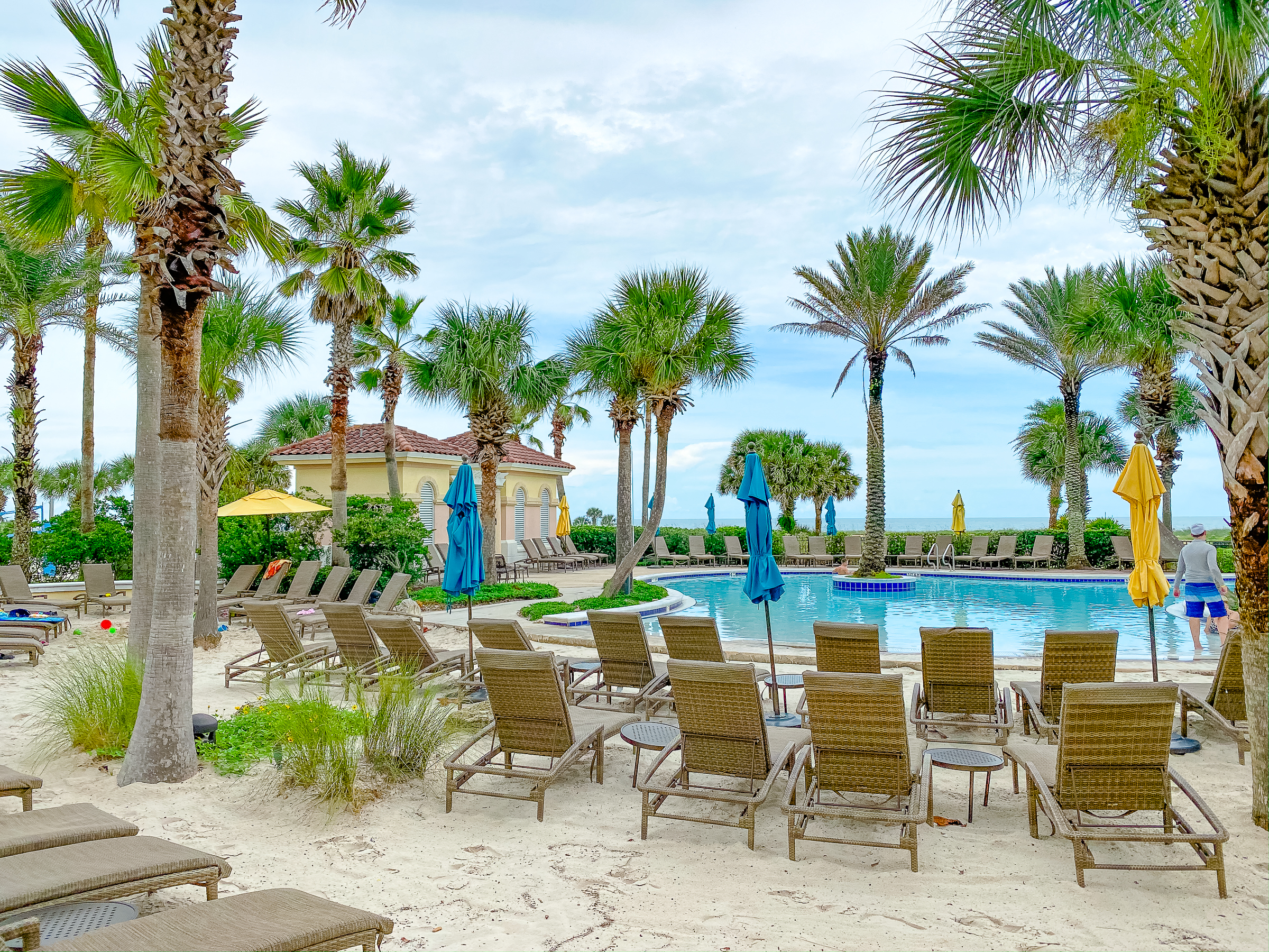 zero-entry pool at Hammock Beach