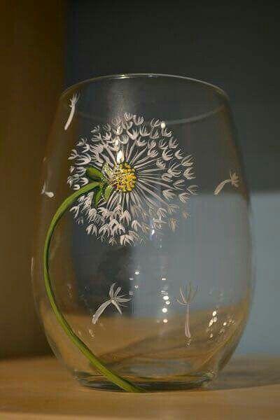 15 Unique Wine Glass Painting Ideas