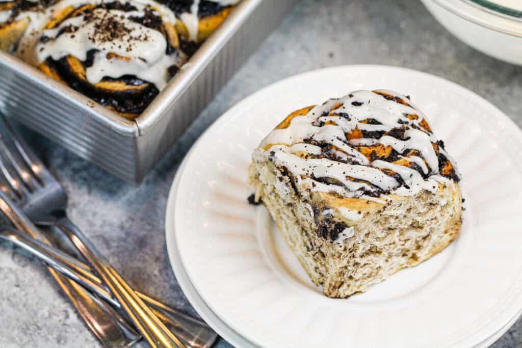 oreo desserts Oreo Cinnamon Rolls