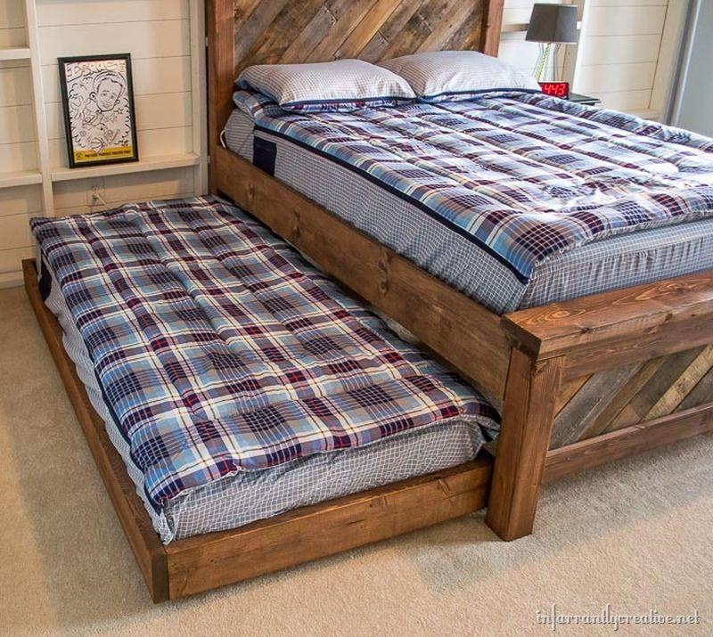 DIY Pallet Beds